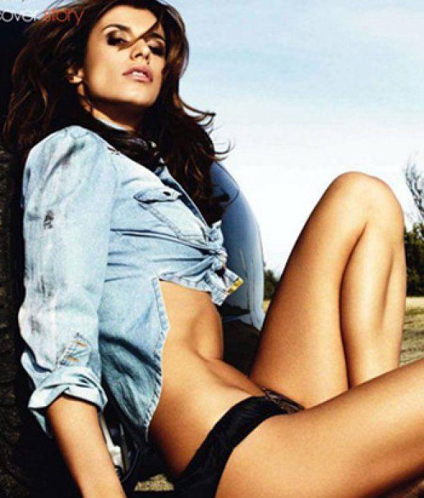 Кохана Джорджа Клуні спокушає чоловіків голими ногами