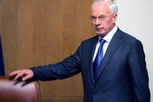 Азаров возложил на автомобилистов ответственность за имидж Украины на Евро-2012