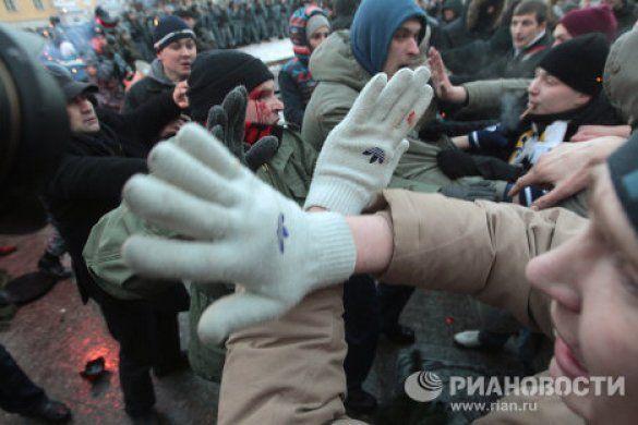 бійка футбольних фанатів та омону у москві_11