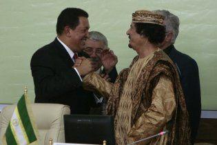 Чавес переедет из своего дворца в шатер Каддафи