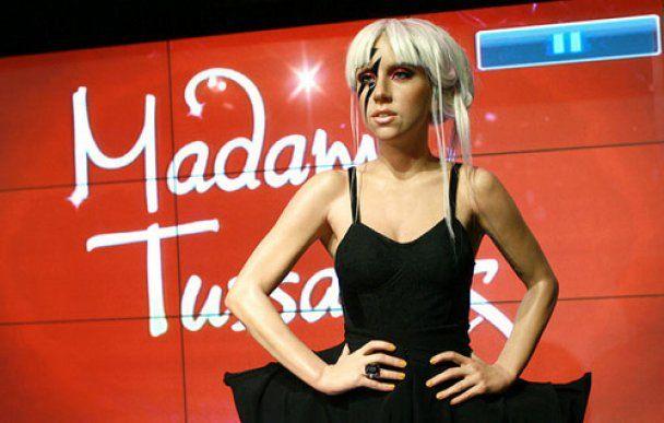 Восемь восковых фигур Lady GaGa появились в музеях Тюссо