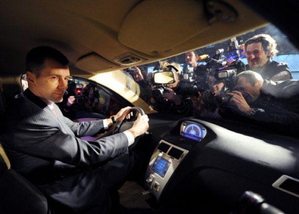 У Москві презентували Ё-мобіль - він завівся з третього разу і не поїхав