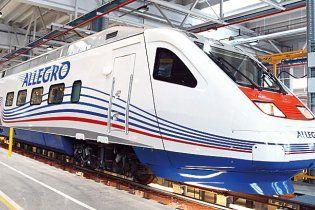 """Російський надшвидкісний потяг """"Аллегро"""" задавив лося в перший день запуску"""