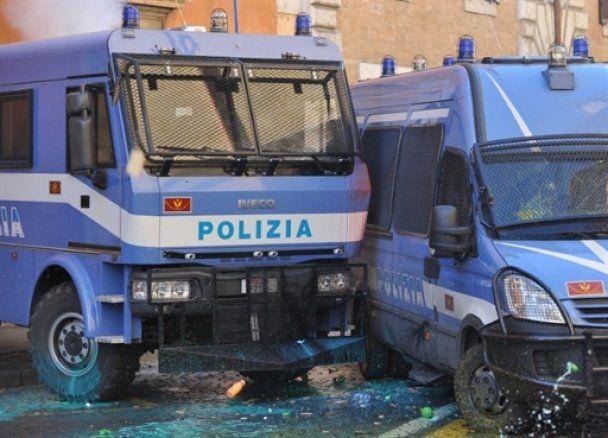 Греческие забастовщики полностью остановили городской транспорт