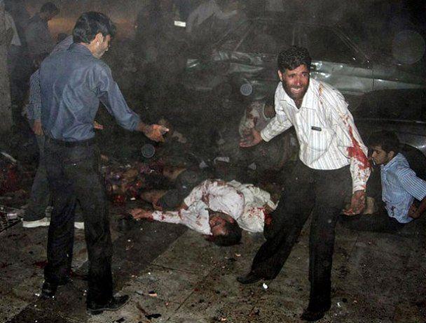 В Ірані біля мечеті підірвався смертник: десятки загиблих