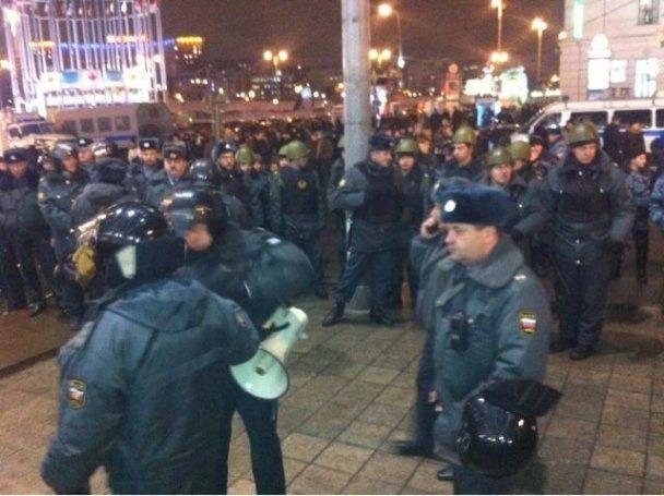 Московська міліція затримала у центрі міста вже 700 осіб