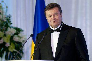 ПР: Янукович завжди  розмовляє українською мовою, це знак для всіх