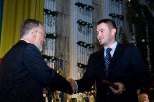 Табачник дав сину Януковича звання кандидата в майстри спорту