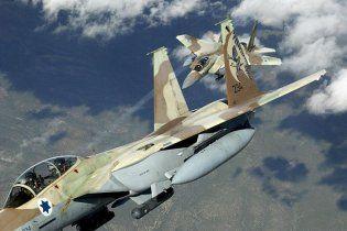 Израильская авиация атаковала семь объектов в секторе Газа