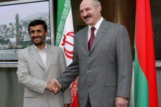 """Ахмадінежад назвав переобрання Лукашенка """"золотою сторінкою"""" в історії Білорусі"""
