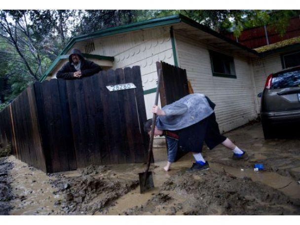 Шварценеггер ввів у Каліфорнії надзвичайний стан: можливе торнадо