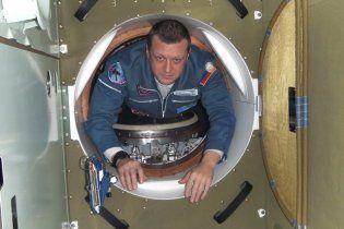 Росіяни везуть в космос людські кістки, помідори та захист від радіації