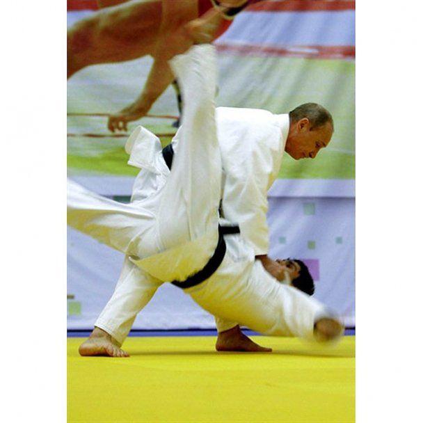 Путин показал мастер-класс по дзюдо