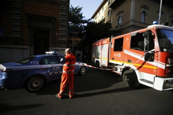 У Римі в двох посольствах пролунали вибухи