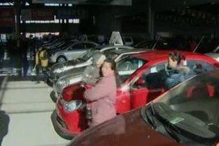 Пекин ограничит продажу автомобилей, чтобы решить проблему заторов