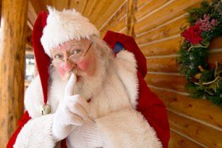 В Сумской области мужчина похитил Деда Мороза, чтобы не быть одиноким