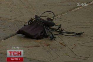 Знайдений на дорозі плеєр вибухнув, позбавивши жінку ока