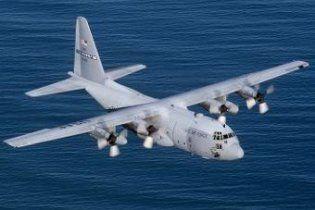 В Казахстане аварийно сел самолет с 300 военными США