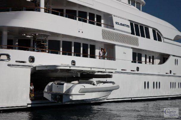 Планшет iPad навчили керувати супер-яхтою Solemates