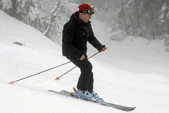 Мєдвєдєв на лижах