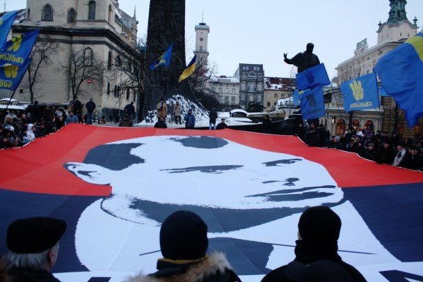 Тягнибок устроит национальную революцию в Украине