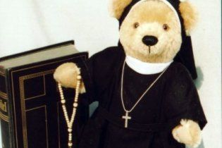 Католицька церква запропонувала по 5 000 євро жертвам священиків-педофілів