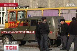 На Львовщине уже две недели не могут потушить пожар в шахте