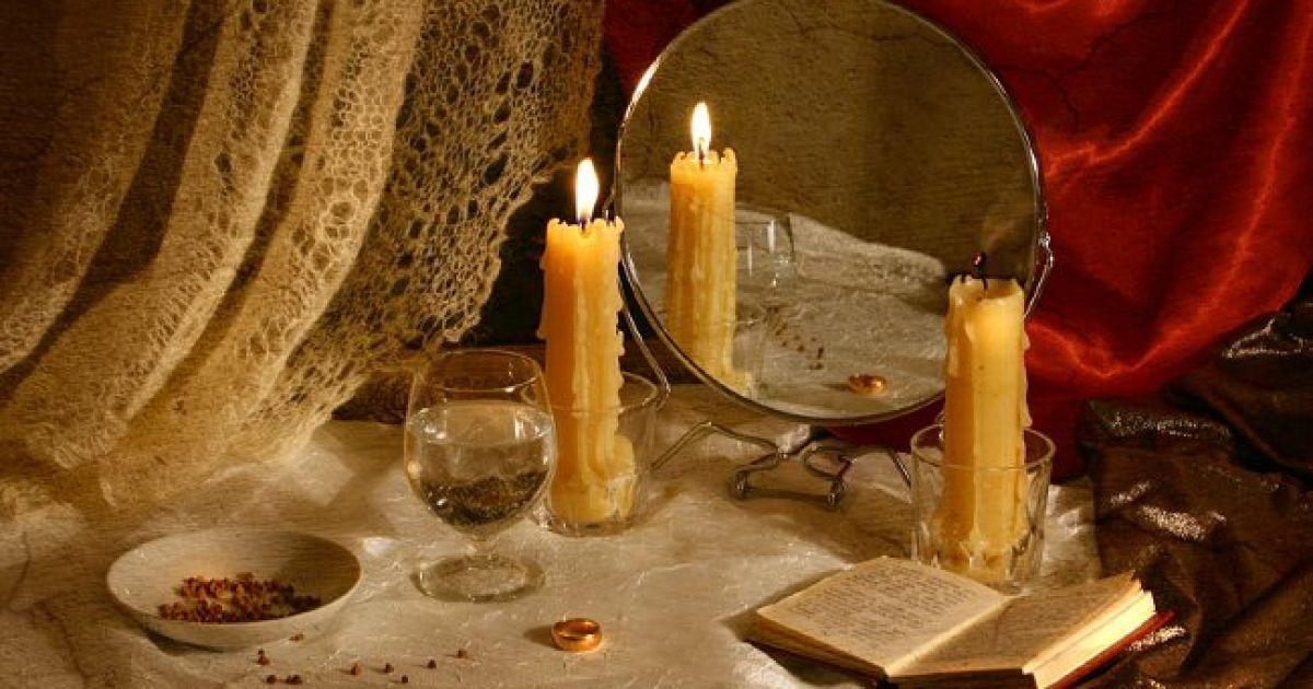 У день Степана, 9 січня, дівчата ворожать на швидке заміжжя. Розсипають на столі насіння і ...
