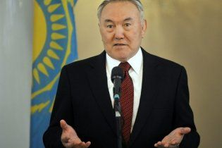 Назарбаєв погодився балотуватися в президенти Казахстану