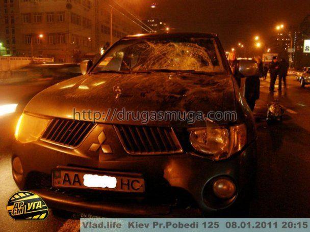 У Києві джип на смерть збив чоловіка на очах у дружини і дітей