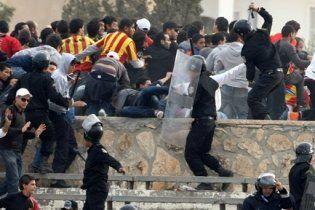 У акціях протесту молоді в Тунісі загинуло вже близько 50 осіб