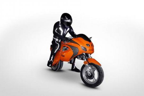 В следующем году люди смогут ездить на мотоциклах-трансформерах