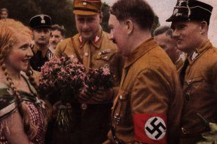"""""""Третий рейх за 8 дней"""": туристов будут возить по гитлеровским местам"""
