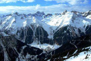Во Французских Альпах жертвами лавин стали четыре лыжника