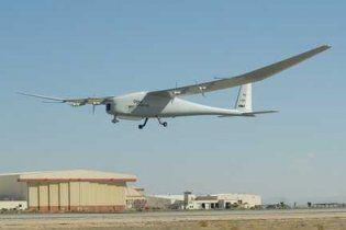 У США випробували безпілотник, здатний протриматися у повітрі тиждень