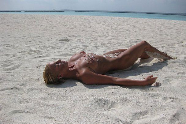 Оголена Волочкова відпочиває на Мальдівах