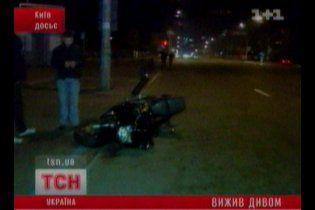 Милиция ищет водителя иномарки, который сбил мотоциклиста и тащил его 800 метров