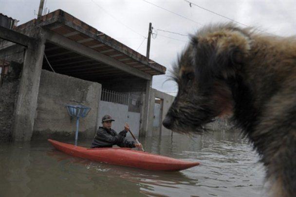 Бразилія потерпає від повеней і зсувів