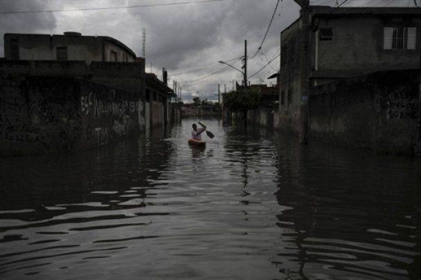 Повінь у Бразилії: загинуло півтисячі людей