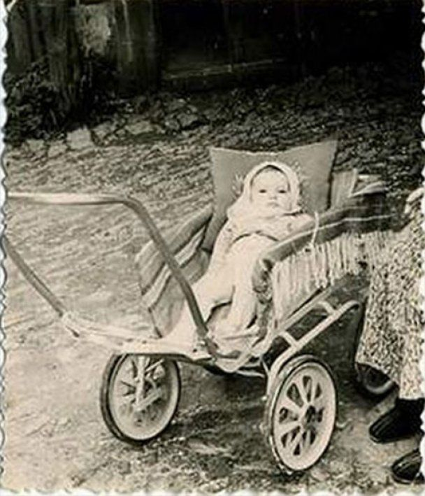 У дитинстві  Янукович копав городи, а Тягнибок мріяв бути танкістом