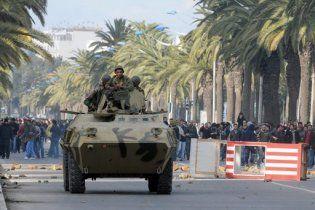 Тунис на грани революции: распущен кабмин и объявлено чрезвычайное положение