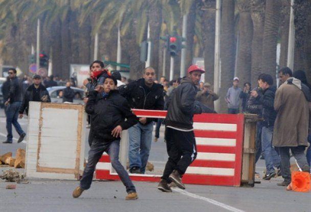 Туніс на межі революції: розпущено уряд і оголошено надзвичайний стан