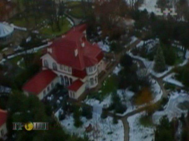 Невиїзна Тимошенко живе в розкішному палаці поруч із Ющенком та Азаровим