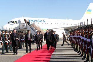 Янукович прилетел в Японию