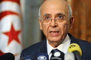 Прем'єр Тунісу, який був головним соратником президента-втікача, зібрався у відставку