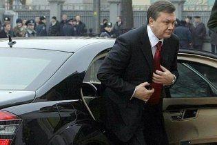 Для автомобилей Януковича закупили бензина на 5 миллионов