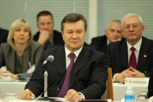 """Янукович призвал японцев вкладывать деньги: Украина - """"три в одном"""""""