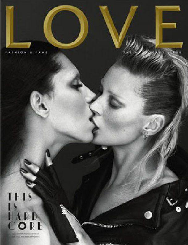 Кейт Мосс пристрасно поцілувалась із жінкою