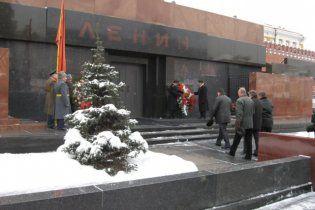 За захоронение Ленина высказались 70% из двухсот тысяч опрошенных