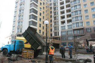 Київська влада пообіцяла знести незаконно розпочаті будівництва